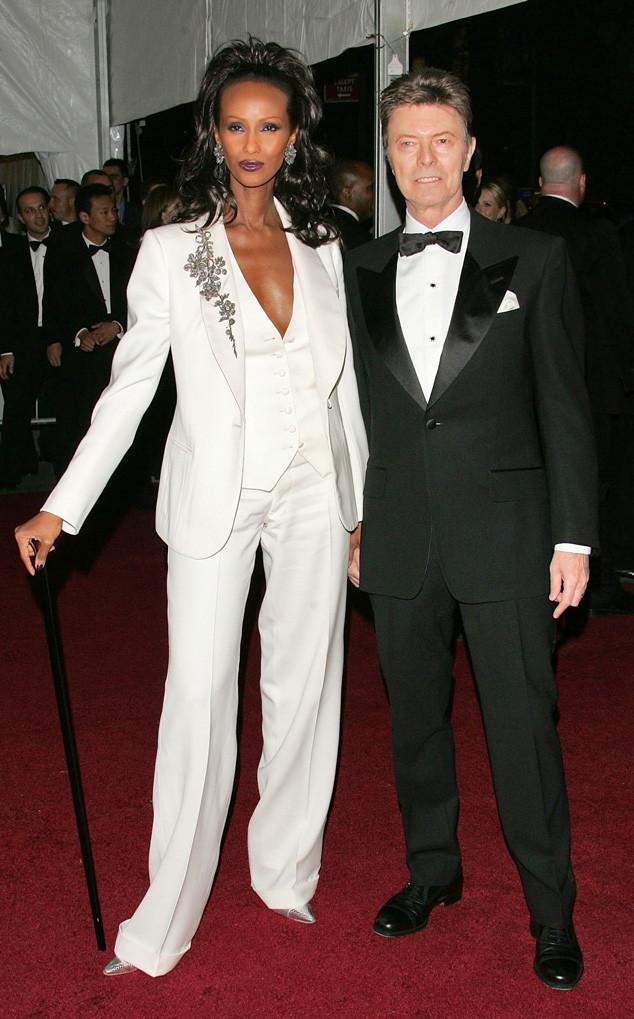 12. В мире моды пару Иман и Дэвида часто называли «самой хорошо одетой парой на красной ковровой дорожке».