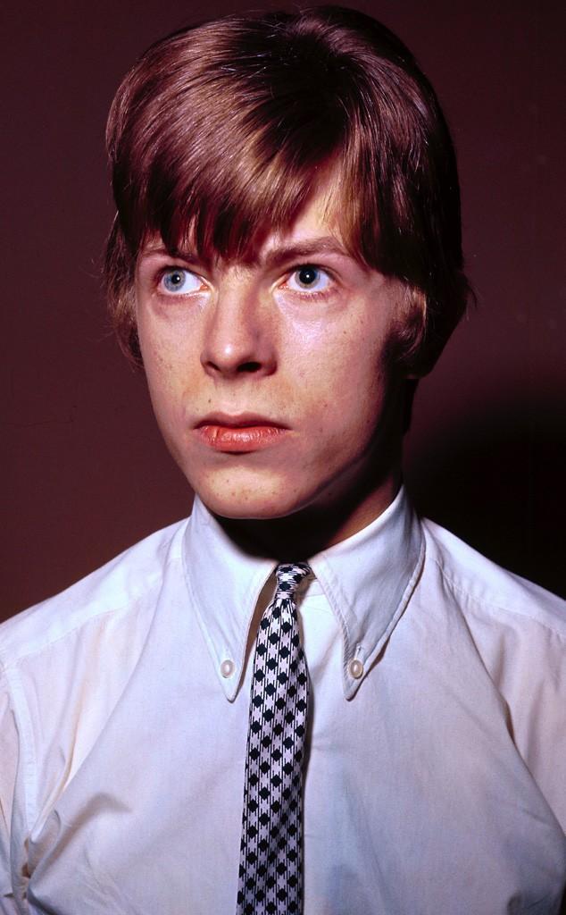 1. Дэвид Боуи родился 8 января 1947 года в Англии.
