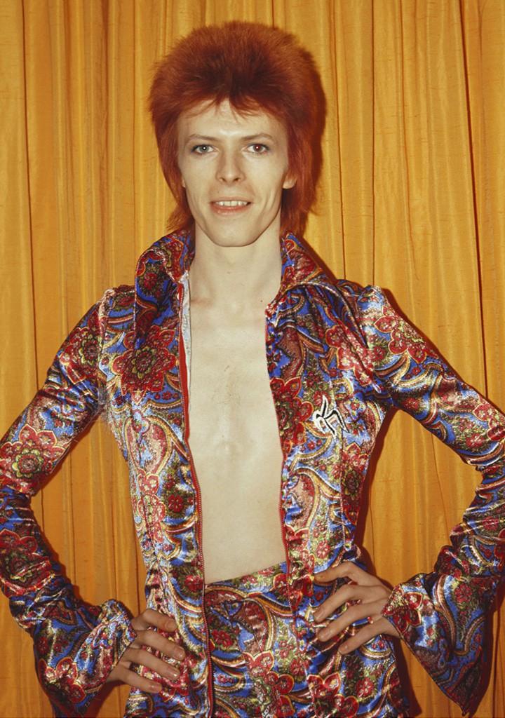 4. В 70-х Боуи начал свое сценическое шоу Ziggy Stardust.