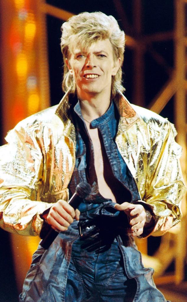 6. С 1984 года Боуи работал с такими звездами как Тина Тернер и Игги Поп.