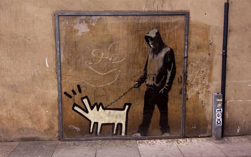 7. «Выберие оружие» - работа художника в Бермондси, Южный Лондон.