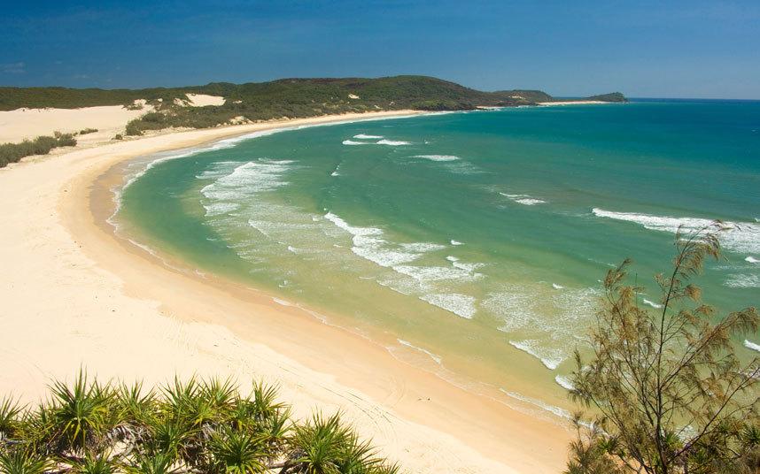 2. Остров Фрейзер, Австралия. Пляжи острова Фрейзер закрыты для купания.
