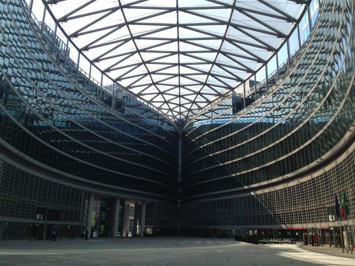 7. Палаццо Ломбардия - Милан.