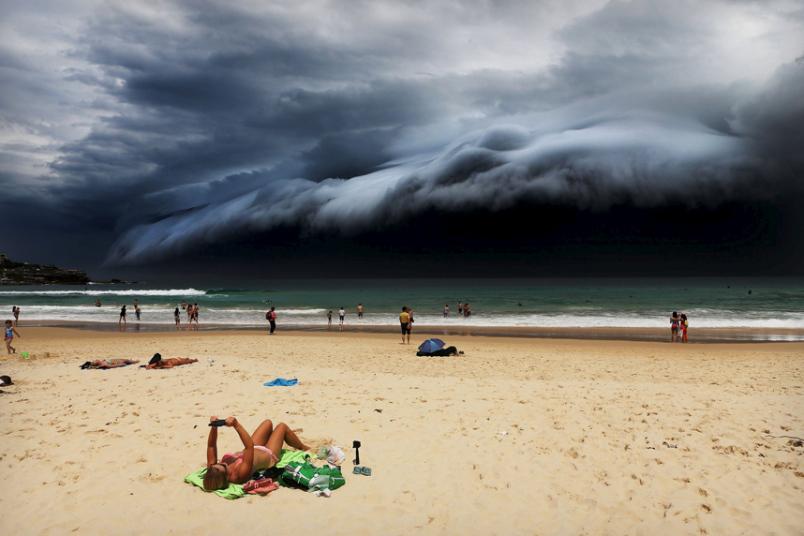 4. Категория «Природа. Одиночная фотография». Огромное облако-цунами в Сиднее. Фото: Рохан Келли.