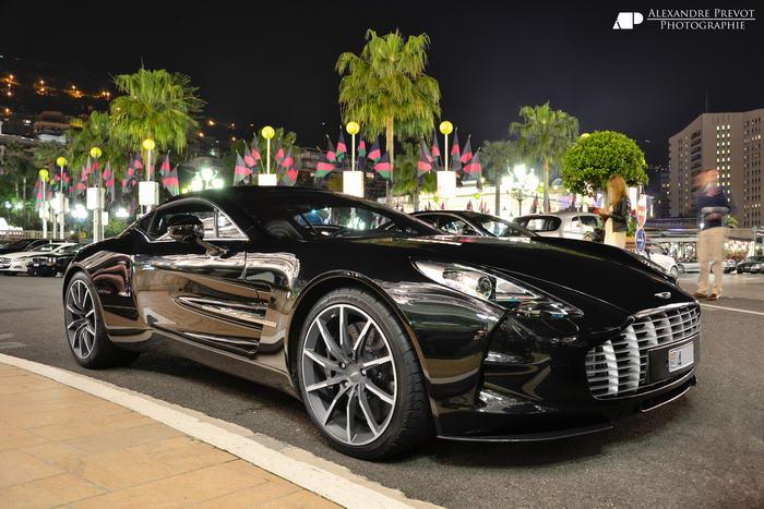 4. Aston Martin One (1,85 миллиона долларов).