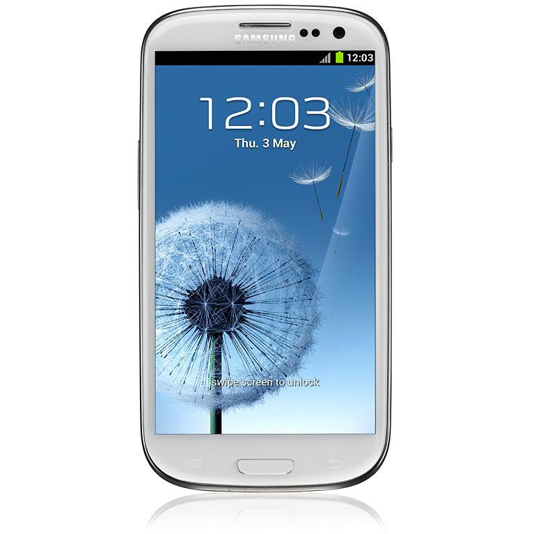 1. Samsung Galaxy S III. Выпущенный в 2012 году, оснащенный операционной системой Android 4.04. Именно с этого смартфона началось доминирование Самсунгов на мобильном рынке. Сегодня выпущено много моделей Galaxy, например, Samsung Galaxy A5, вышедший в 2014 и 2016 годах, купить который можно в любом интернет-магазине смартфонов. Но все это дети флагмана Samsung Galaxy S III.