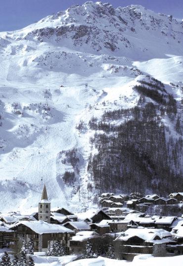 9. Face de Bellevarde. Валь д'Изер. Эту трассу построили к зимним Олимпийским играм 1992 года. На первый взгляд трасса не кажется трудной. Но по факту пройти трассу очень не просто и сделать это сможет только хорошо подготовленный лыжник.