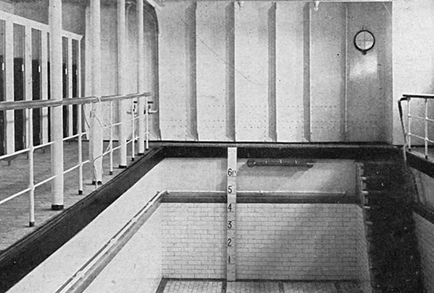 7. На оригинальном корабле этот бассейн заполнялся соленой морской водой.