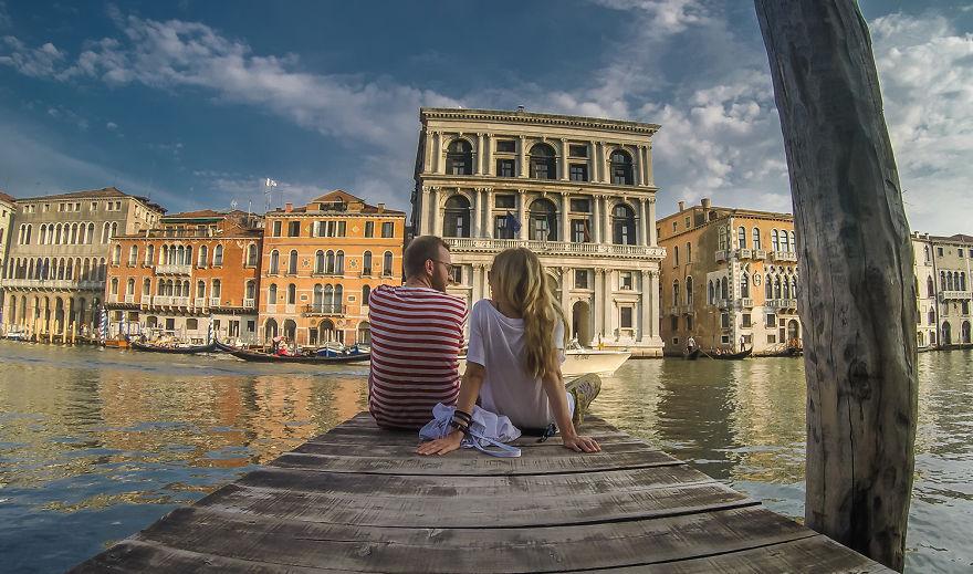 11. «Отдыхали в Венеции».