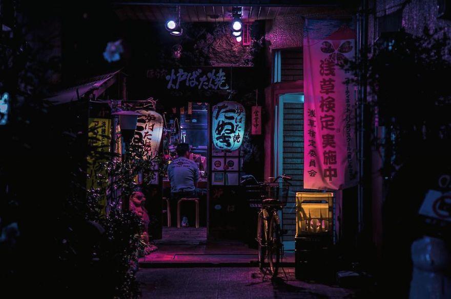 6. Лиам фотографировал разные районы Токио иногда углубляясь все дальше от популярных туристических мест.