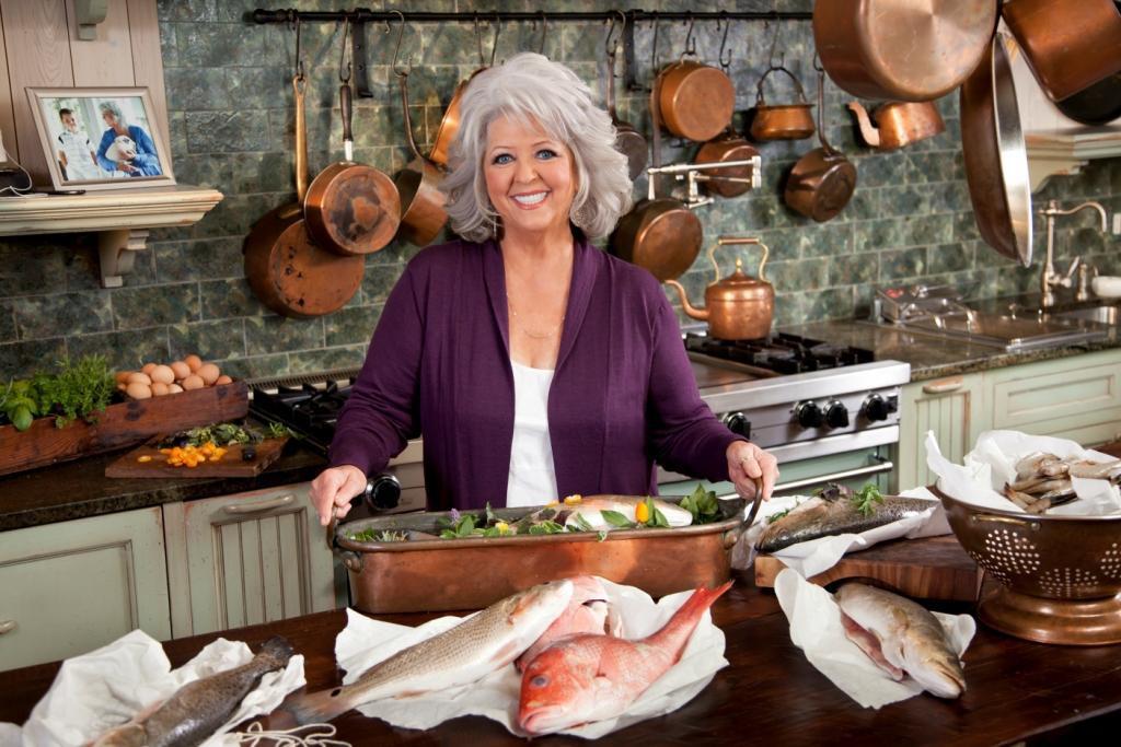 12. Пола Дин – повар грузинка, проживающая в США. Свой путь Пола начала с 200 долларов и доставке бутербродов. Сегодня она ведет популярное кулинарное шоу.