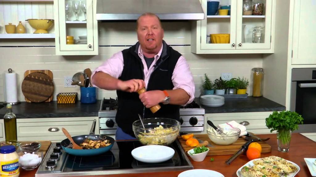 4. Марио Батали – специалист по итальянской кухне из США. Автор множества кулинарных книг и передач.