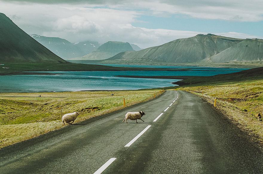 1. Дорога к Grundarfjordur на площади Snaefellsnes.