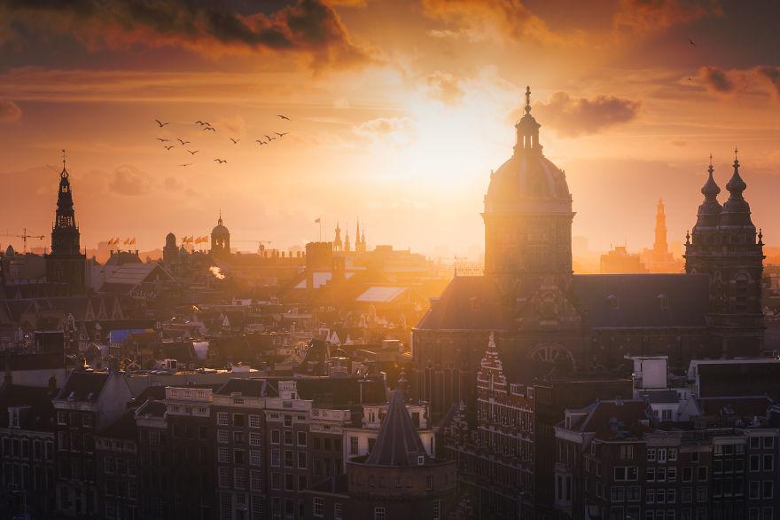 5. Амстердам.