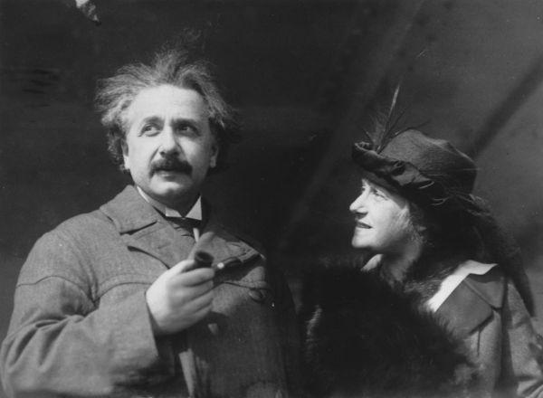 8. В письмах, которые Эйнштейн писал Эльзе, ученый постоянно признавался в своих амурных похождениях.