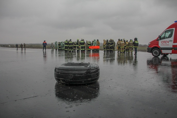 11. Колесо разбившегося Boeing 737.