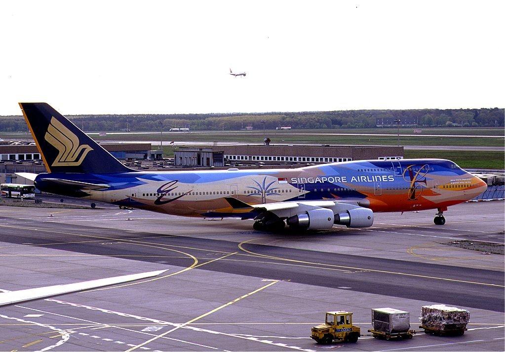 30. Singapore Airlines – Сингапур.