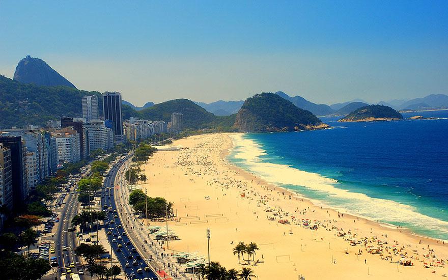11. Позагорать на пляже в Рио-де-Жанейро – ожидание.