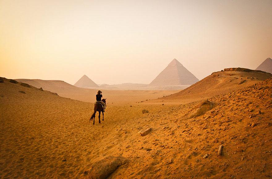 21. Посетить пирамиды в Каире – ожидание.