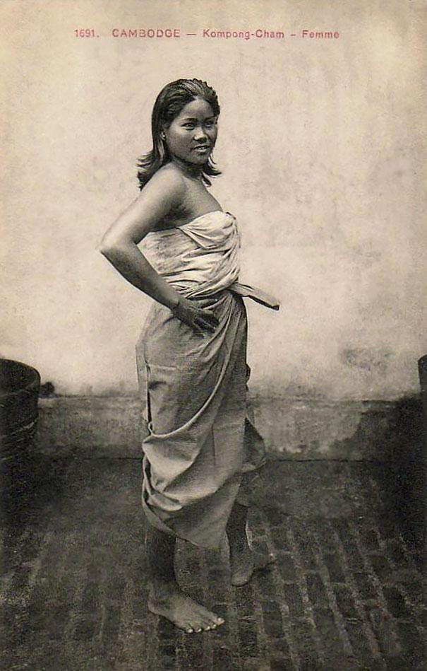 32. Камбоджийская девушка.