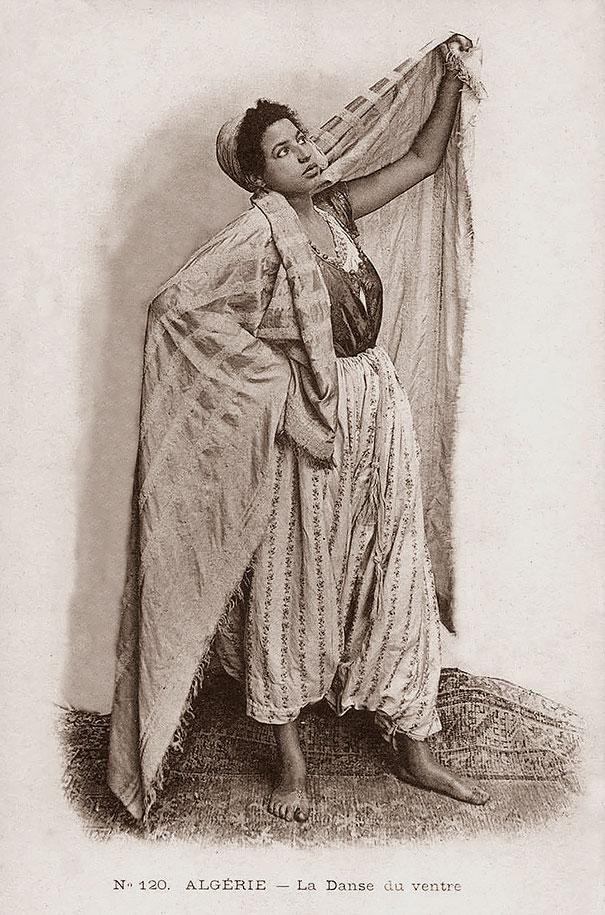 39. Алжирская танцовщица.