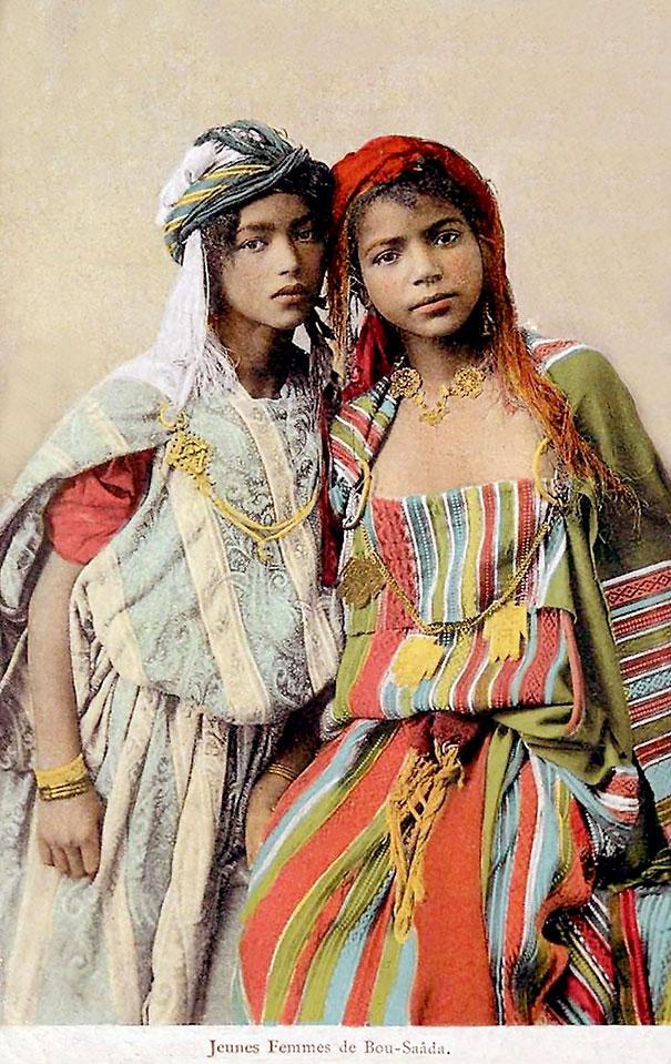 5. Молодые алжирские девушки.