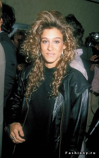 17. Снимок сделан в Вествуде штат Калифорния 17 апреля 1986 года. Сара Джессика Паркер и ее пышная завивка с поднятой челкой. Но здесь стоит сделать скидку на 80-е, когда такие прически были в моде.