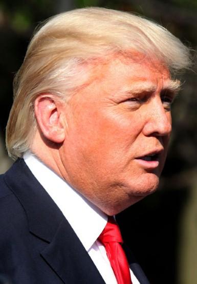 2. Не обязательно быть миллиардером, чтобы иметь хорошую прическу. Достаточно посетить салон красоты м. ленинский проспект. Но Дональд Трамп явно не тратит свои миллиарды на поход в парикмахерскую.