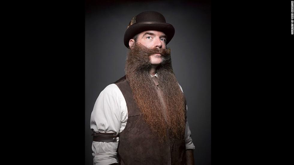 2. Такая борода требует тщательного ухода. Кстати, в США уже несколько лет проводится конкурс бород и усов.