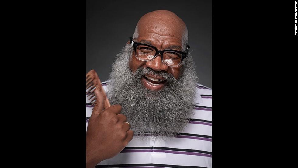 8. Как минимум длинную бороду нужно постоянно расчесывать. В ход идут и различные шампуни и жидкости.