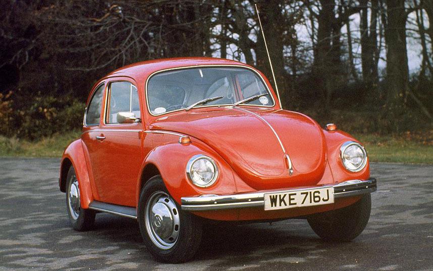 4. Современная версия очень похожа на своего предка. И для многих поклонников жука именно оригинал остается лучшей машиной марки.