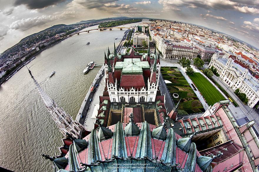 4. «Ведь Будапешт невероятно красив с большой высоты», - говорит Rizsavi.