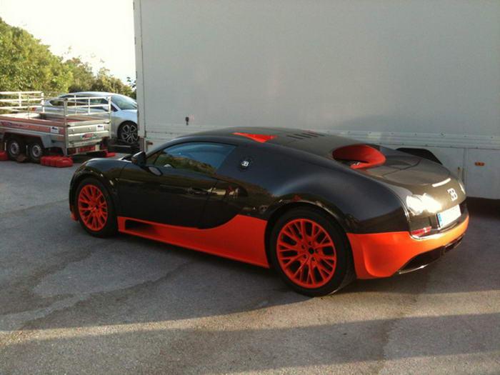 8. Bugatti Veyron Super Sport.