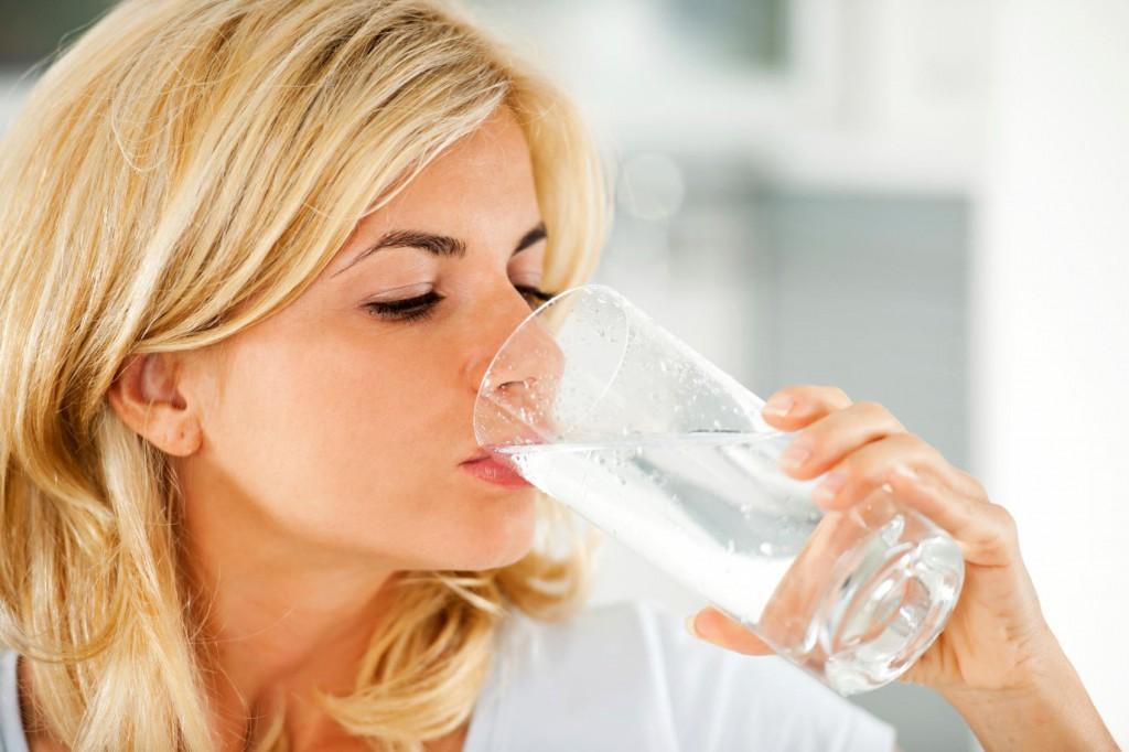 7. Пейте воду перед едой.