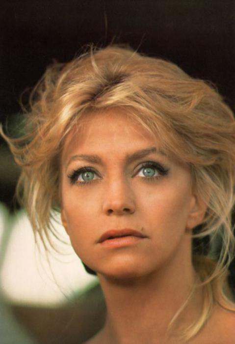 3. Голди Хоун.