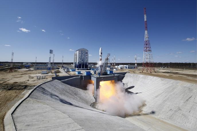 2. Три спутника, Ломоносов, Аист-2D и SamSat должна доставить ракета-носитель.