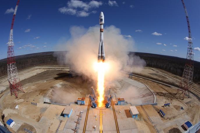 3. Запуск произошел в 5:01 по московскому времени.