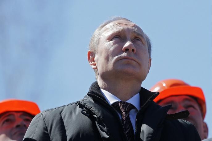 5. За первым стартом с космодрома Восточный наблюдал президент России Владимир Путин.