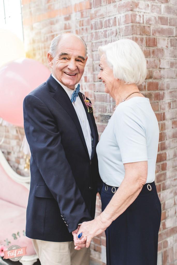 5. «Пишите друг другу маленькие любовные записки, даже если вы уже много лет женаты. Делайте это как можно чаще».