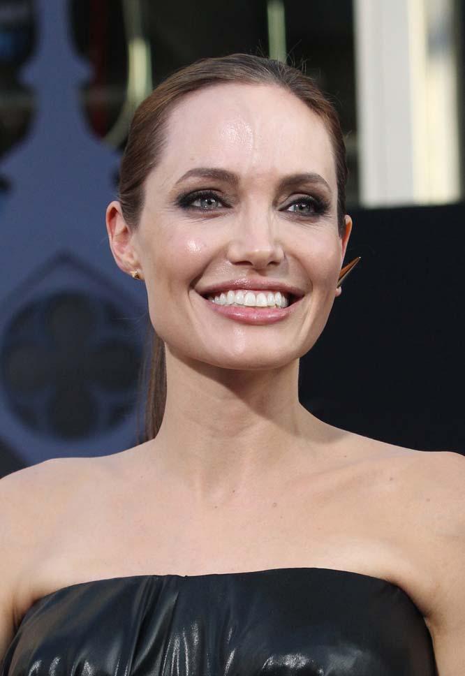 18. Прекрасная Анджелина Джоли и ее улыбка на миллион.
