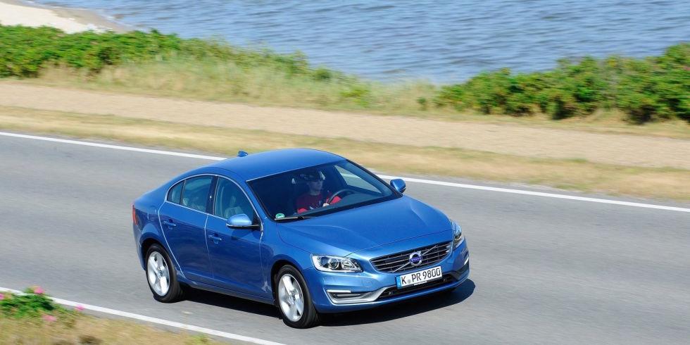 1. Volvo S60 T6 Drive-E FWD – 302 л.с. - $39 950.