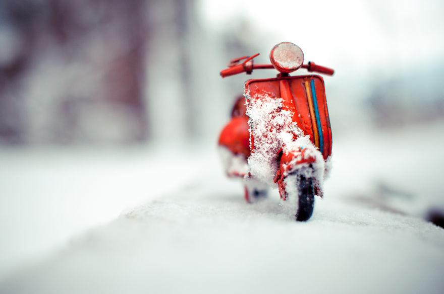 35. Пускай снег идет.