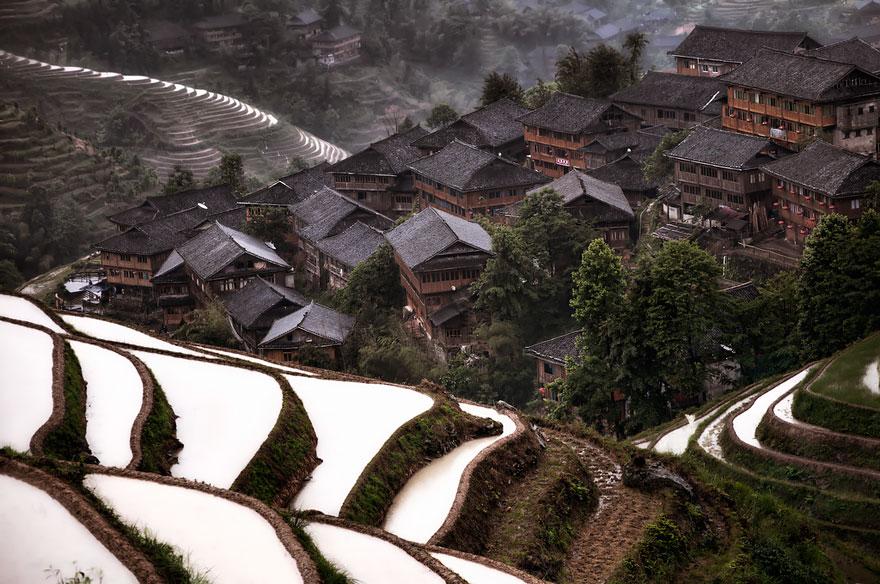 10. Горная деревня в Китае.