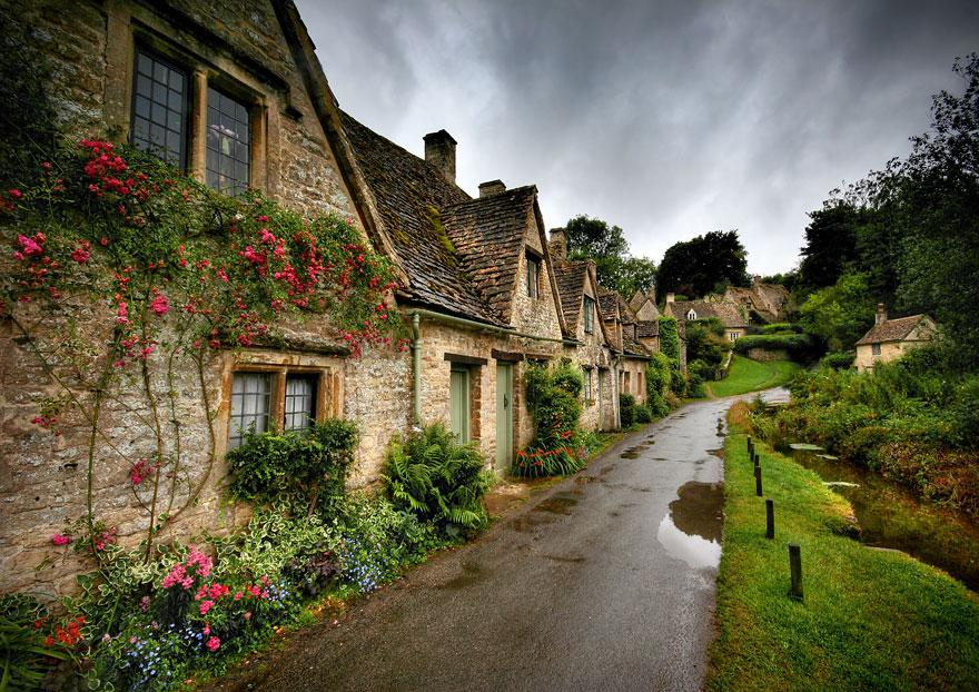 2. Бибури, Англия.