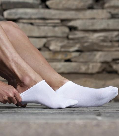 13. Спортивные носки должны быть на ногах спортсмена или, как минимум, сочетаться со спортивной обувью.