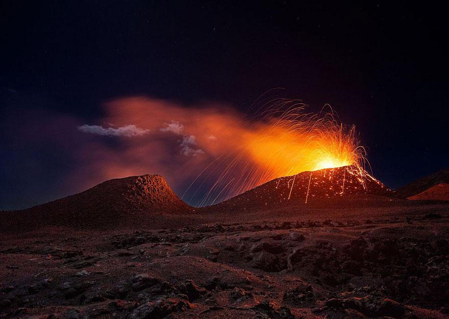 23. «Вулкан Питон де ла Фурнез», остров Реюньон.