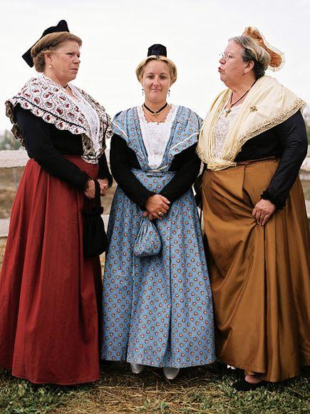 6. Традиционные платья женщин Прованса, Франция.