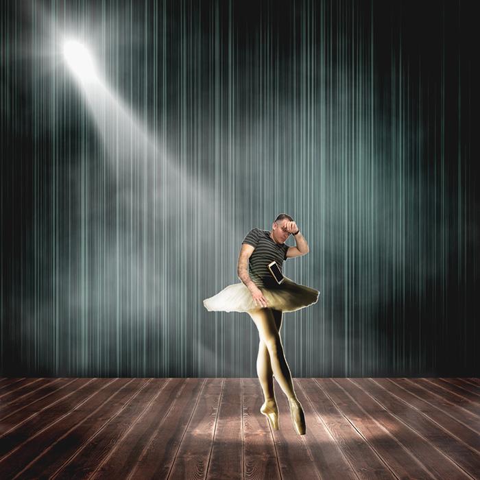 8. А вот уже выступает на сцене оперы и балета.