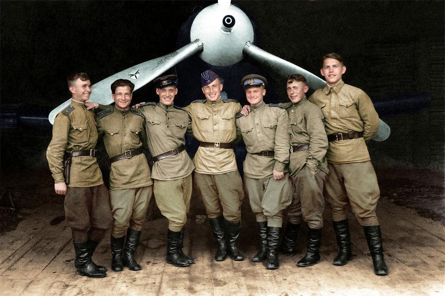 15. Пилоты 102-го гвардейского истребительного авиаполка, 1943 год.