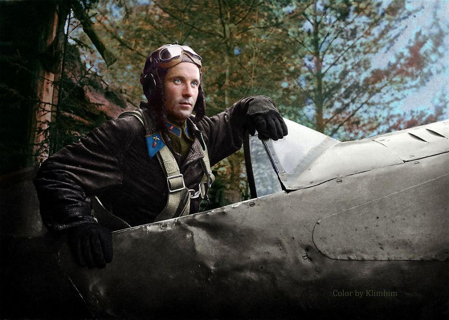 39. Командир эскадрильи 124-го истребительного полка, капитан Александр Георгиевич Пронин, 1942 год.